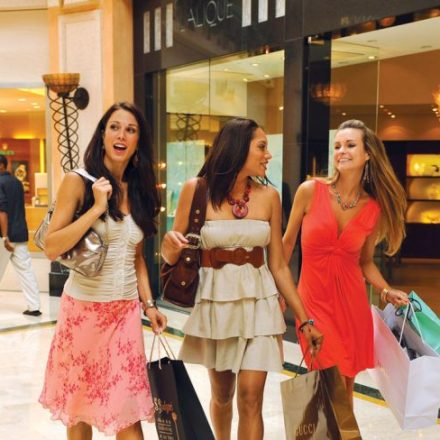 Enjoy Latest Trends of favor by Shopping in Madrid, The country