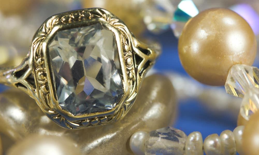 Vintage Costume Jewellery – A History