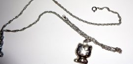 Hello Cat Necklace: Feel Gorgeous by Putting on Some